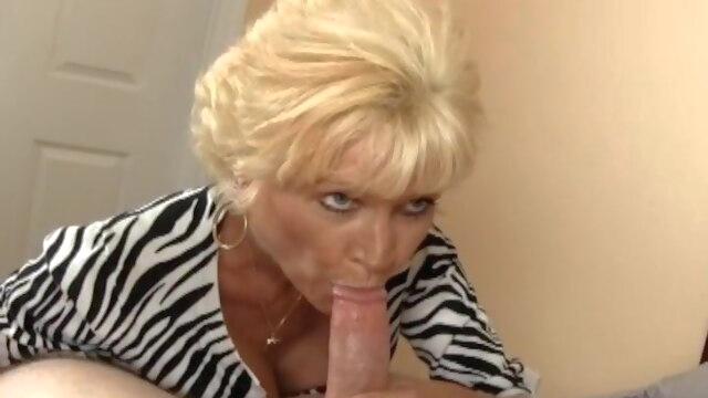 Mom knows 2 blowjob mature milf