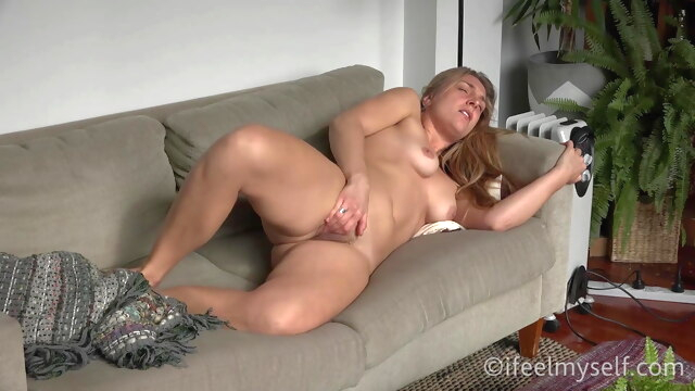 Lisa Coming.. hd videos orgasm girl masturbating